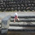 郡上八幡宗祇水で水遊び