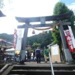 郡上八幡・日吉神社の参道市へ